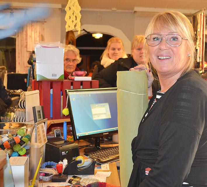 Syster Lotta hos Systrarna i hjälpte de som ville ha sy- och sticktips.