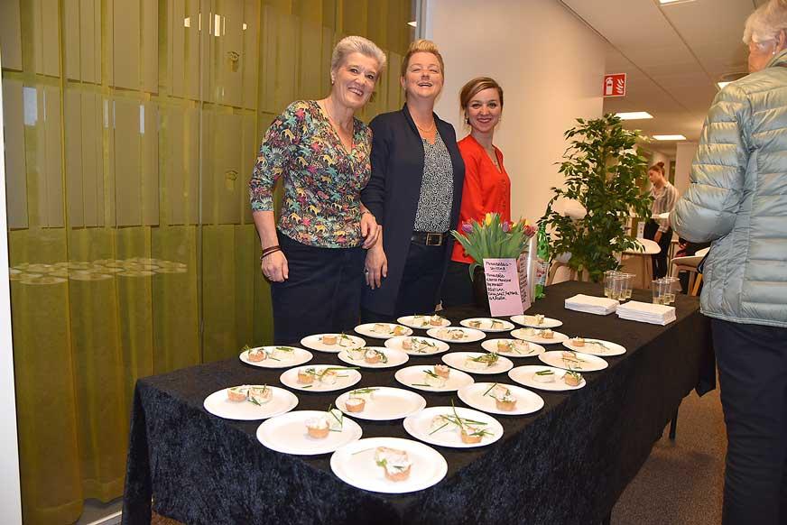 Tjejerna på Swedbank Agneta, Anna och Ambra bjöd på snittar.