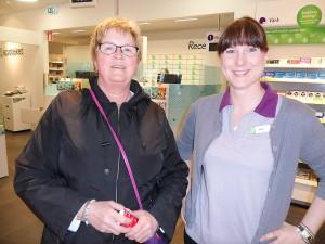 På Apoteket AB fick Kerstin Elgström hjälp av Jeanette Jägerklou.