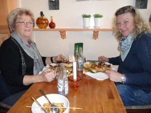 Christina Fredriksson och Katarina Assarson åt en bit mat på Dolce Vita.
