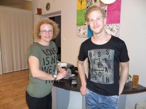 Ida Rosén och Simon Hall på M-Salongen tyckte det var kul att det ordnas tjejkväll.