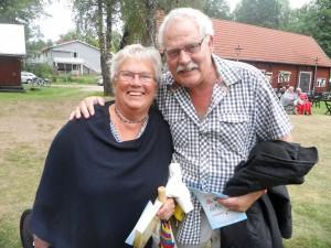 Gerd Lilja och Mats Slättman på Allsång på Qvarnaslät.  –Jag är förväntansfull, sa Mats.