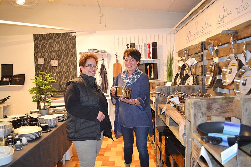 Anna var hos Mia på Nybro Glasbruk och spanande in Mannerströms nya köksserie.