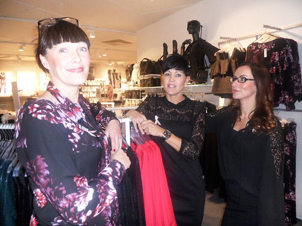 – Lyxigt och trevligt att kunna ägna sig åt kunderna under välgörenhetsshoppingen, tyckte Susanne på Lindex och fick medhåll av kollegorna Jessica och Linda.