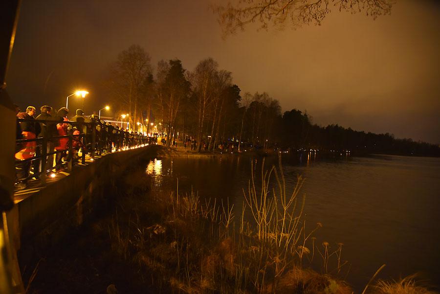 Bästa stället att beskåda fyrverkeriet var från bron längs med Grönvägen