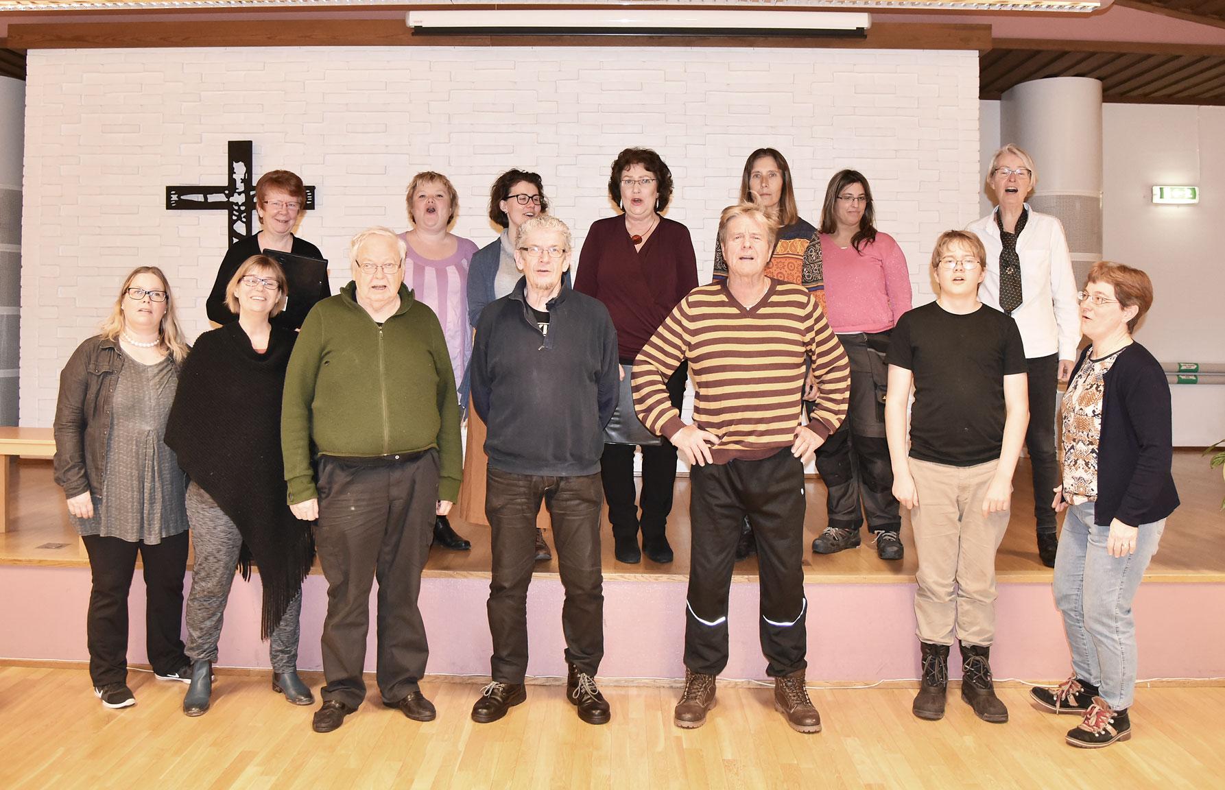 Körerna är många i Nybro, och nytt i år är att vi presenterar en ny kör i varje nummer. Första tonen går till Joy Singers.