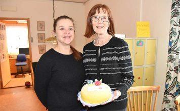 473bb39287d9 Tårta till Ann som har en ängels tålamod
